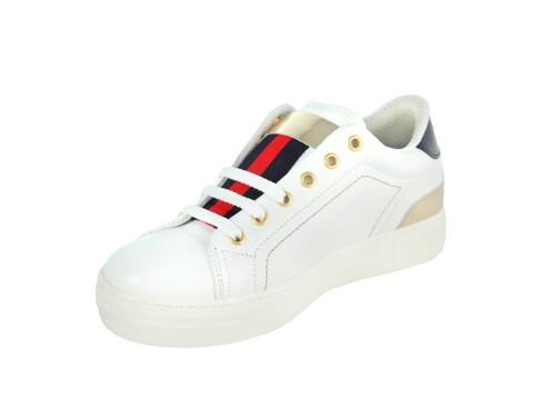 Sneakers in pelle con inserto laminato
