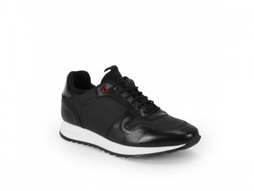 Sneakers in vera pelle crust e tessuto gommato con lacci elastici nero
