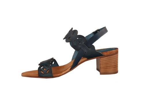 Sandali in pelle di vitello con tacco comodo in vero cuoio