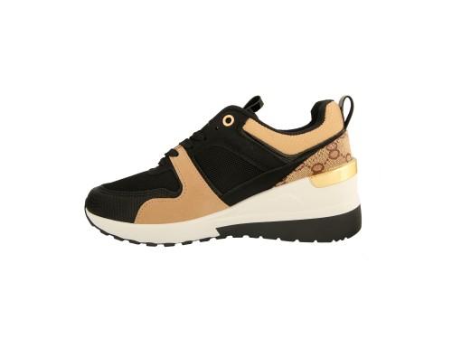 Sneakers con zeppa interna e suola ultra leggera